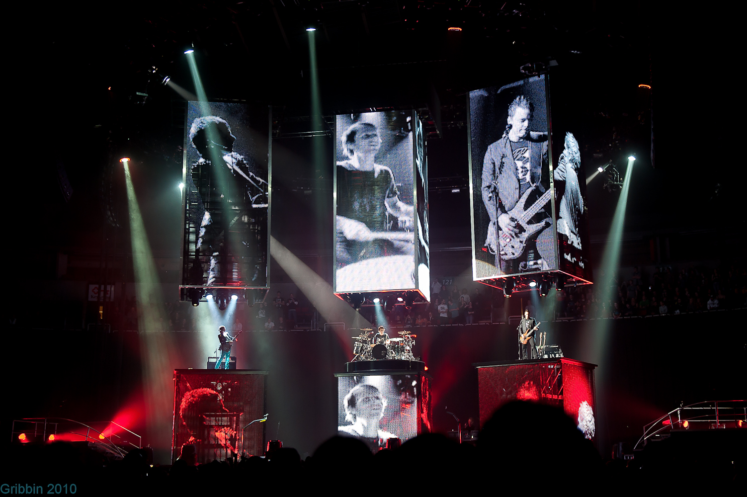 Muse confessions of a seattle rock photographer vi hollywood music